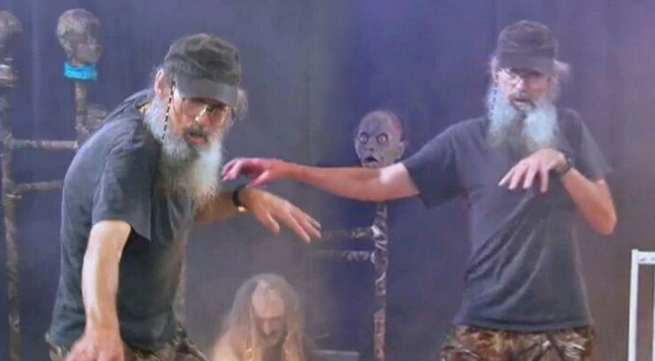 Si robertson Songs | Uncle Si's Got Some Epic Dance Moves! | Country Music Videos
