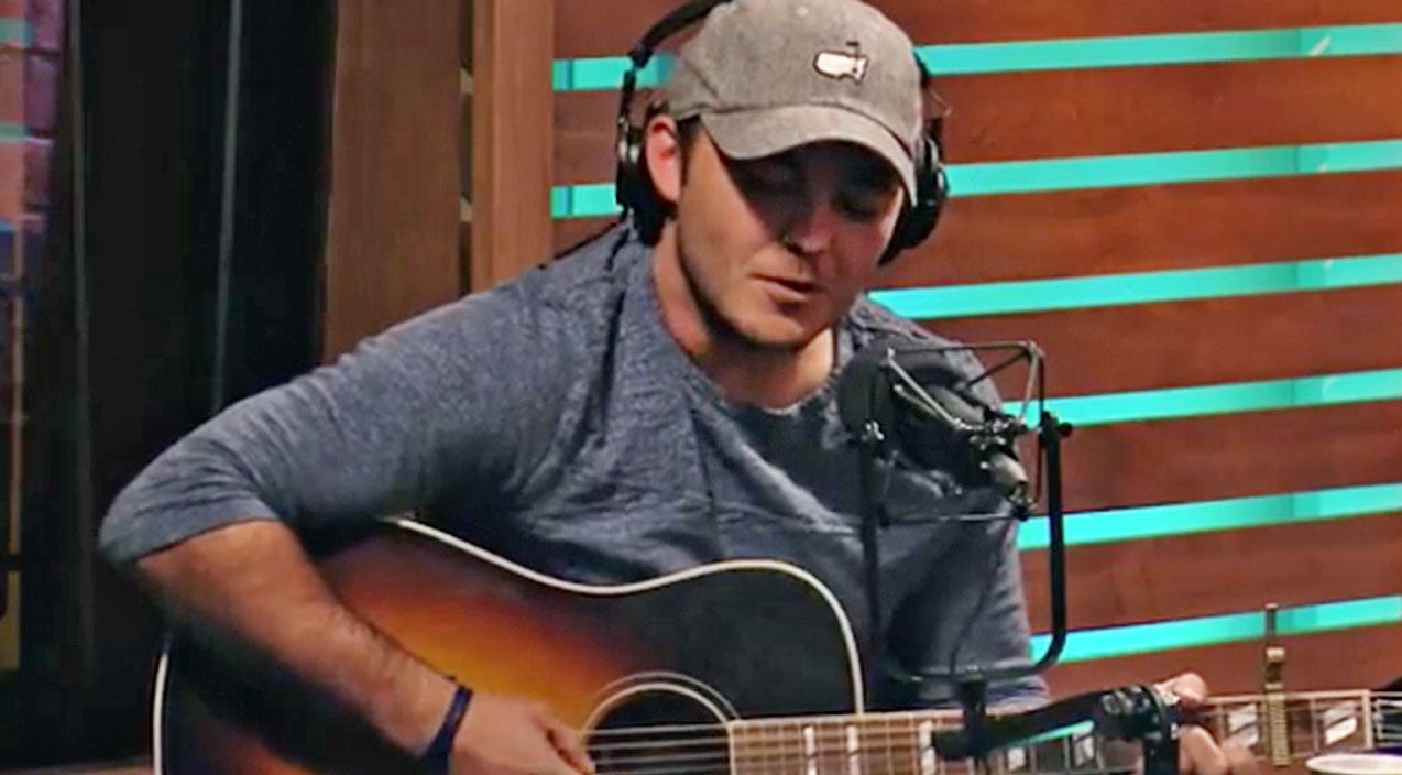 Viral content Songs | Country Singer Slams United Airlines Controversy In Live Performance Of Original Tune | Country Music Videos