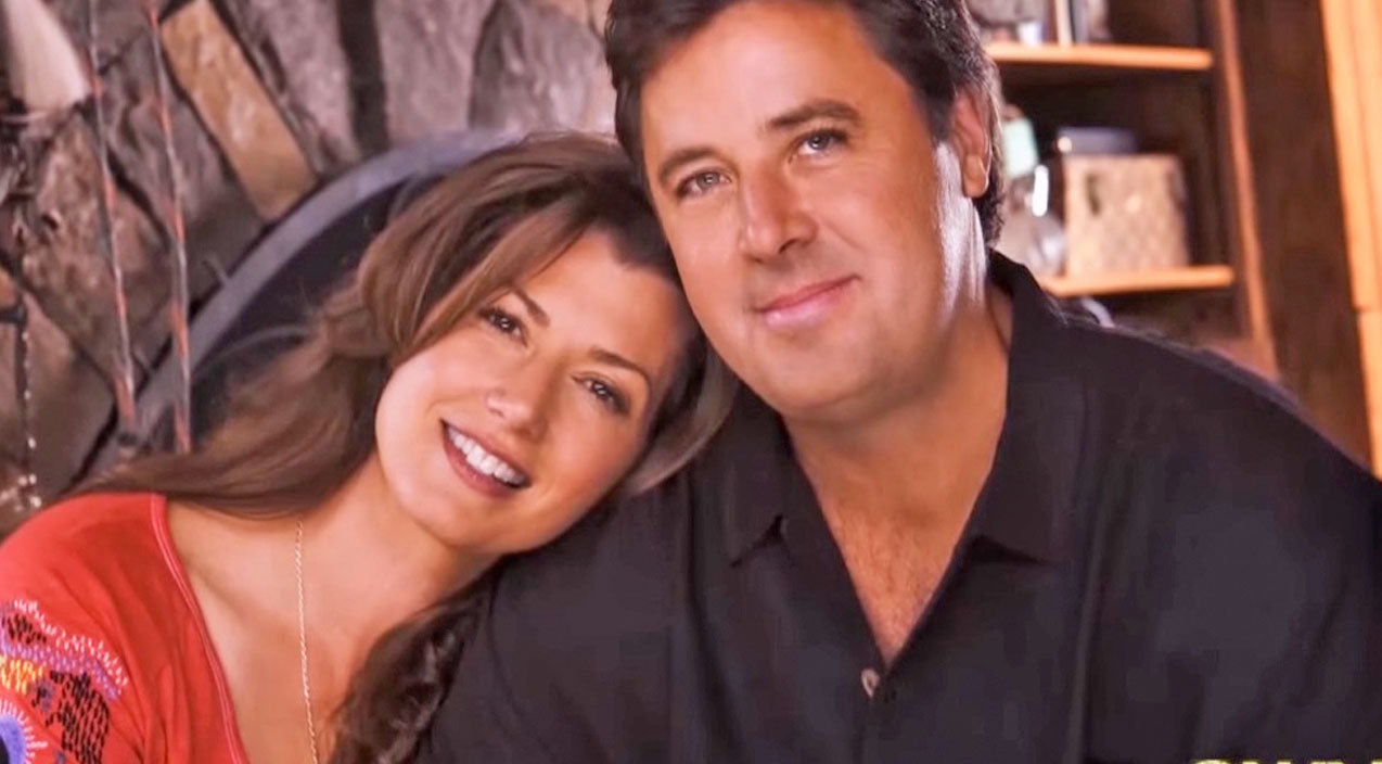 Vince gill Songs | Love At First Sight: Vince Gill And Amy Grant Reflect On Their Life Together | Country Music Videos