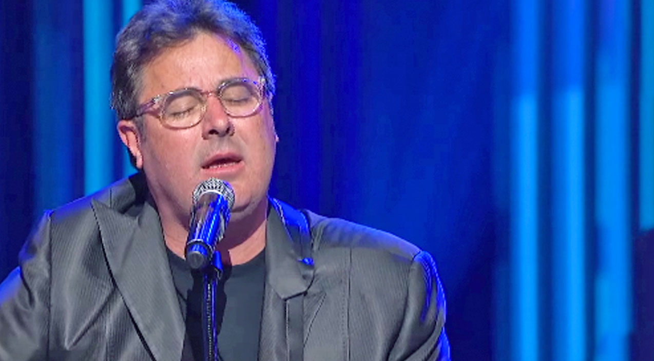 Vince gill Songs | Vince Gill Dedicates Emotional Performance Of 'Go Rest High' To Close Friend Who Passed Away | Country Music Videos