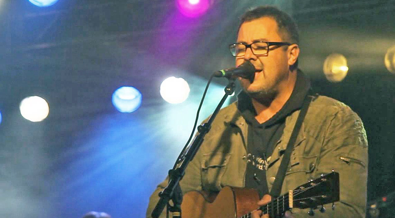 Vince gill Songs | Vince Gill Delivers A Masterpiece With Swoon-Worthy Love Song 'Look At Us' | Country Music Videos