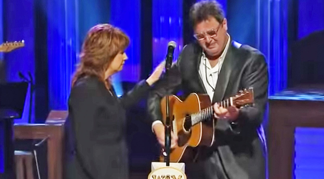 Vince gill Songs | Vince Gill Breaks Down In Tears During George Jones Tribute, Singing 'Go Rest High On That Mountain' | Country Music Videos
