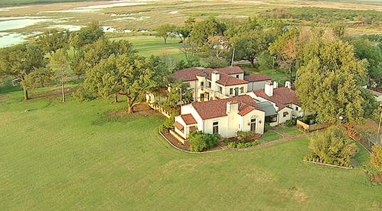 $725 Million Texas Ranch Finally Sold, But Who Bought It? | Country Music Videos