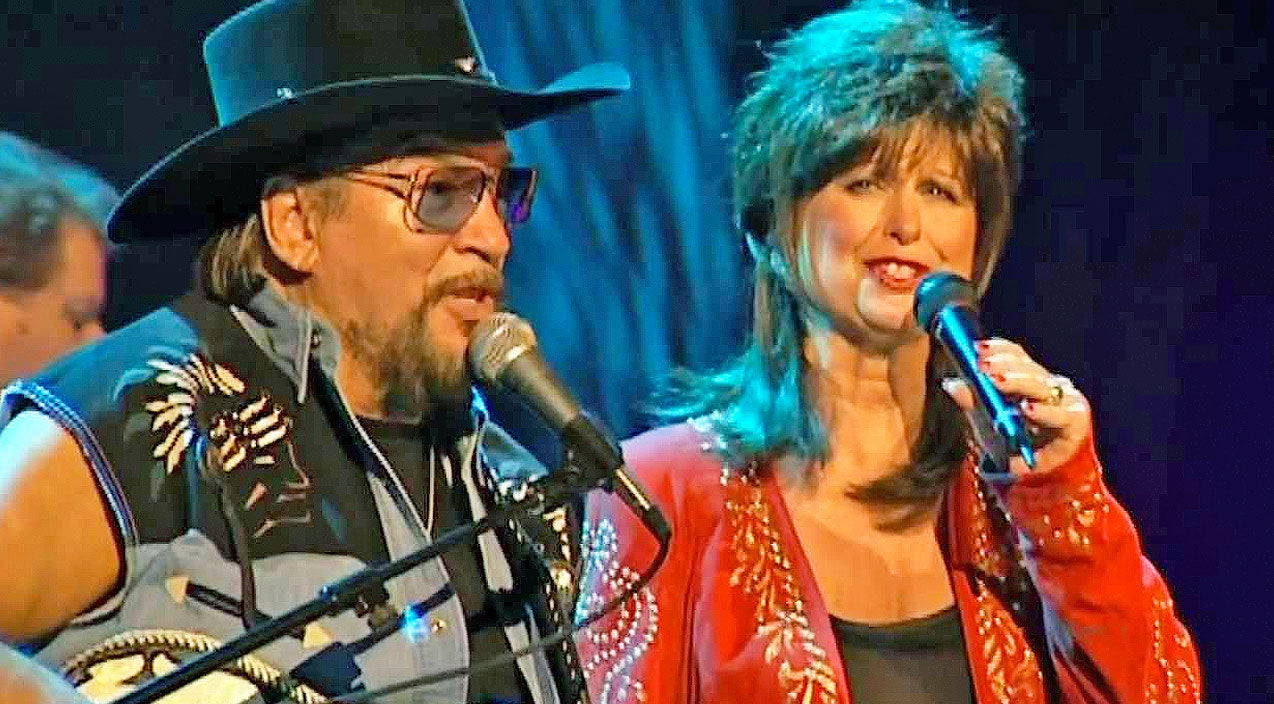 Waylon jennings Songs | Waylon Jennings And Jessi Colter's Love Runs Deep In Their Final Duet | Country Music Videos
