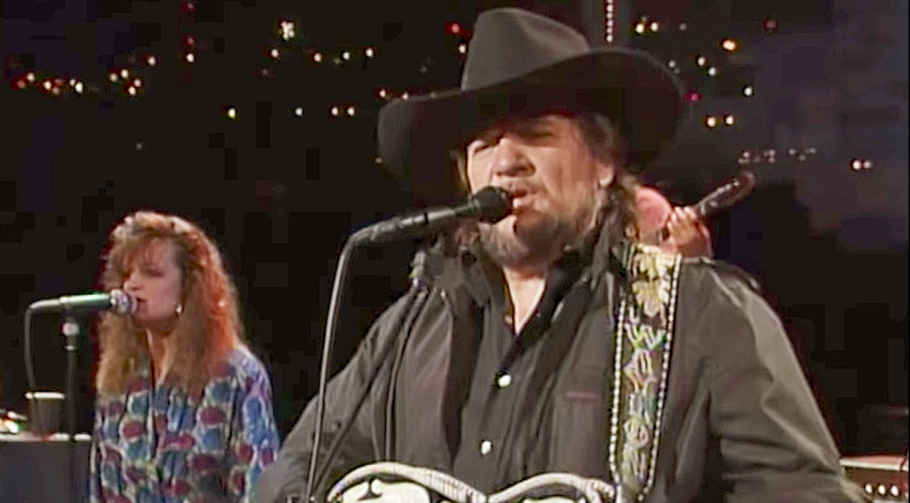 Waylon jennings Songs | Waylon Jennings Treats The Lone Star State To Quality Country Music With 'Me And Bobby McGee' | Country Music Videos