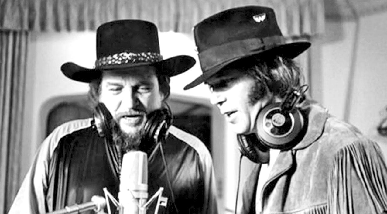 Waylon jennings Songs | Waylon Jennings & Neil Young Pair Up For Powerhouse Duet Of 'Are You Ready For The Country' | Country Music Videos