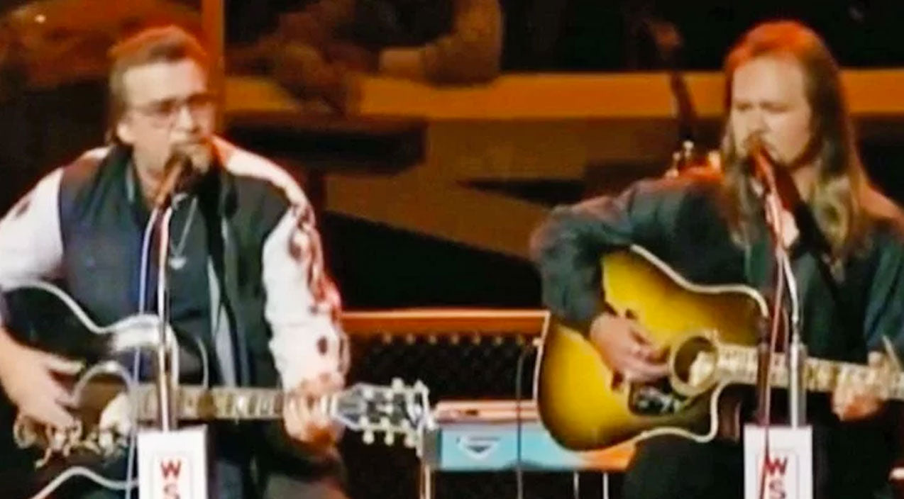 Waylon jennings Songs | Footage Resurfaces Of Waylon Jennings Singing With Travis Tritt, And It's Perfection | Country Music Videos