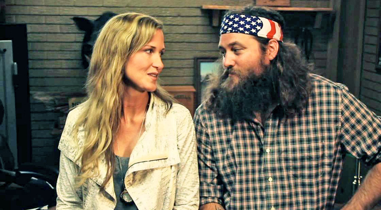 Willie robertson Songs | Security Footage Shows Korie Robertson Doing WHAT In The Middle Of The Night!? | Country Music Videos