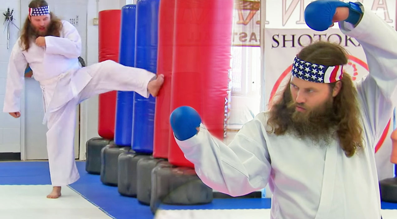 Willie robertson Songs | Willie Robertson Joins His Daughter's Karate Class And It Is Hilarious! | Country Music Videos