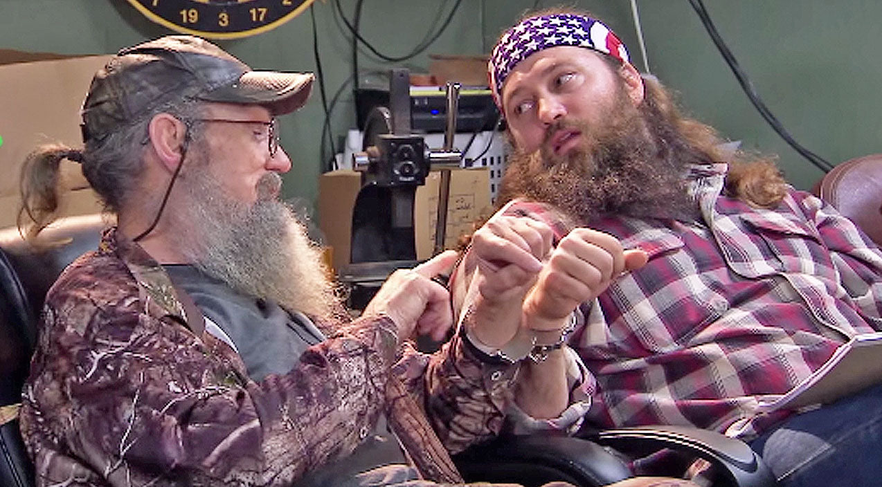 Willie robertson Songs | Uncle Si Handcuffs Himself To Willie Robertson, Then Loses The Key | Country Music Videos