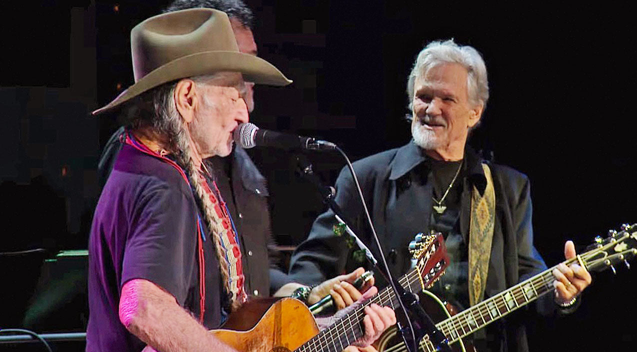Willie nelson Songs | Willie Nelson Honors Good Friend Kris Kristofferson With Compelling Cover Of 'Me And Bobby McGee' | Country Music Videos