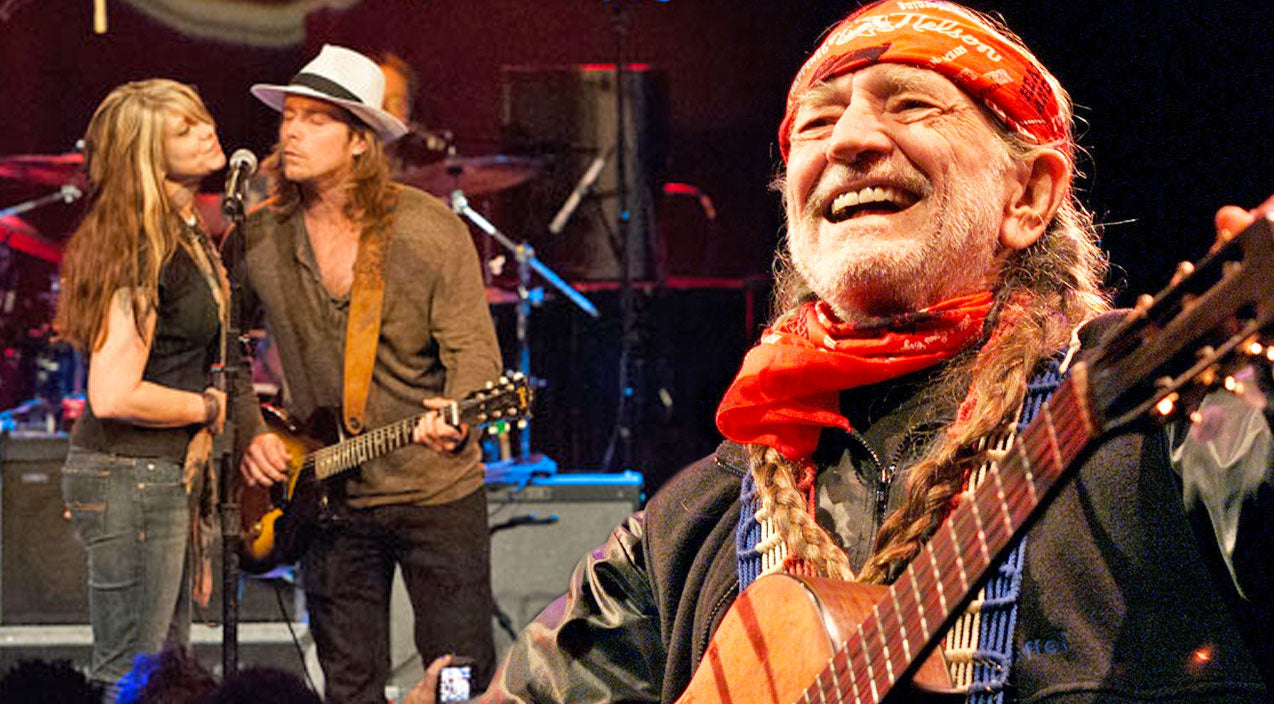 Willie nelson Songs | Willie Nelson & His Family Sing A Heartwarming Rendition Of 'Wild Horses' To Support Animal Rights | Country Music Videos