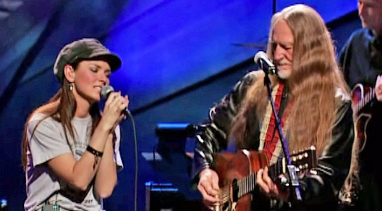 Willie nelson Songs | Shania Twain Joins Willie Nelson For Masterful 'Blue Eyes Crying In The Rain' Duet | Country Music Videos