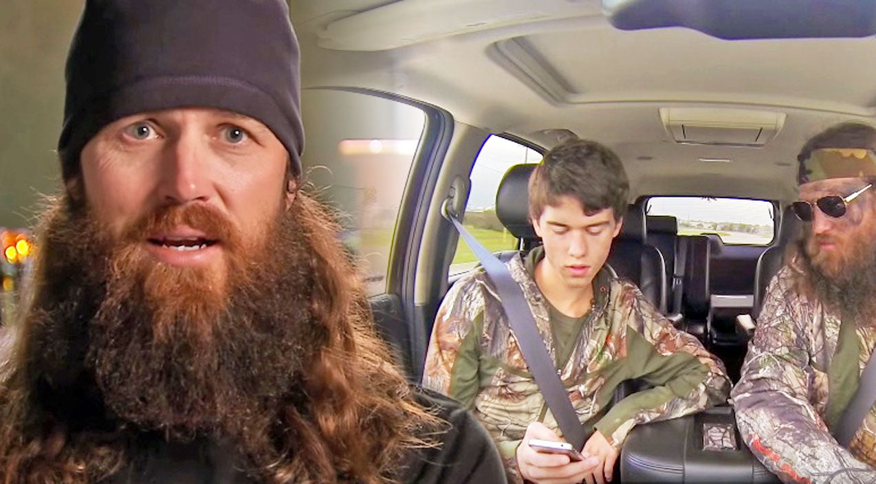 Duck dynasty Songs | Willie Sends A Group Text And It Becomes A
