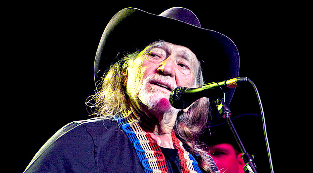 Willie nelson Songs | Willie Nelson Shares Honest Opinion Of Presidential Race | Country Music Videos