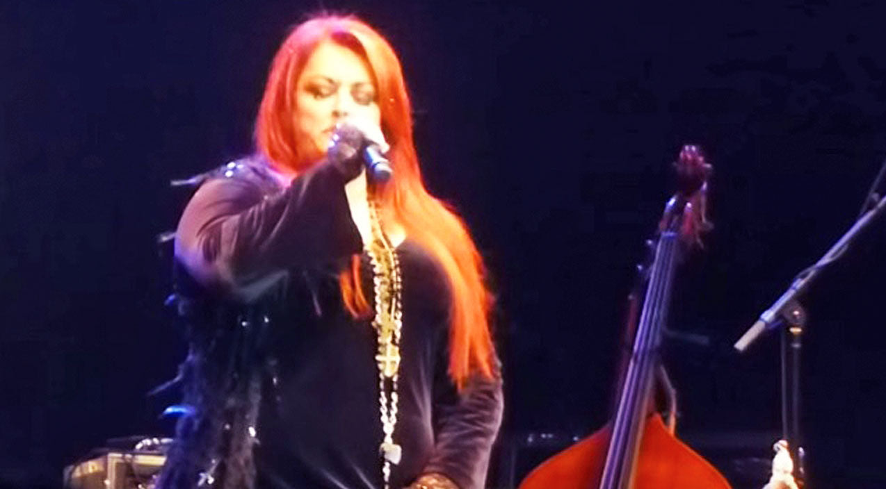Wynonna judd Songs | Wynonna Judd Delivers Chills With Astounding Rendition Of Leonard Cohen's 'Hallelujah' | Country Music Videos