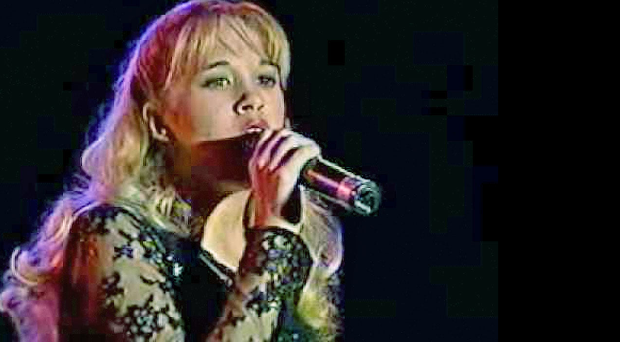 Carrie underwood Songs | 13-Year-Old Carrie Underwood Stuns With Rare Recording Of Timeless Classic,