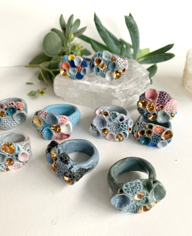 One Blue tones 'rock coral' porcelain ring