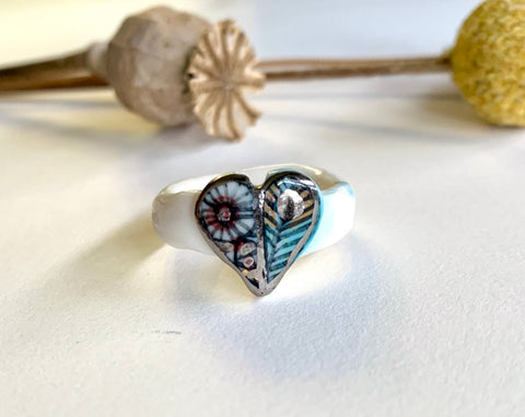 'Wings' porcelain ring with platinum lustre