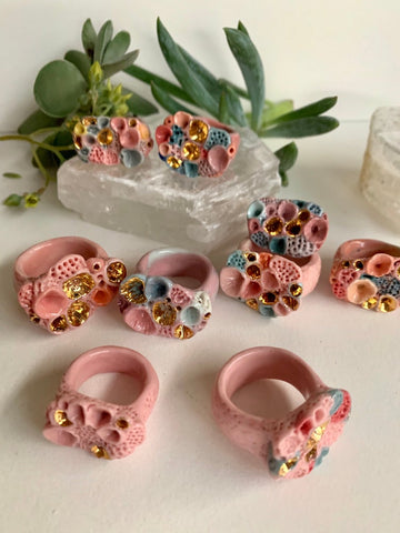 One pink tones 'rock coral' porcelain ring