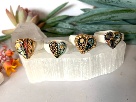 'Wings' porcelain ring, with gold. Choose a size