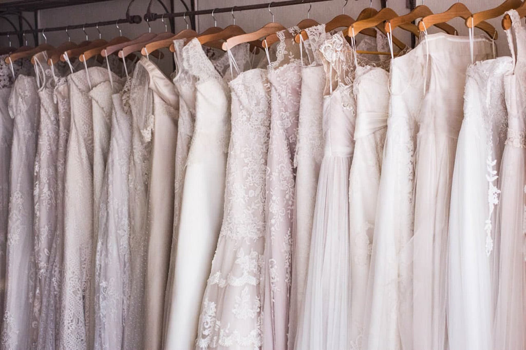How to choose a wedding dress online
