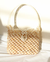 Load image into Gallery viewer, Vintage Cream Crowie Seasheall Purse