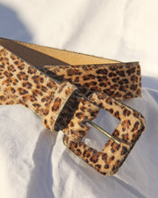 Load image into Gallery viewer, 1980s Cheetah Ponyhair Belt