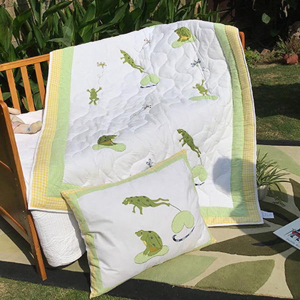 NAUGHTY FROGS KIDS QUILT