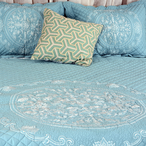 AQUA IVORY BEDDING SETS