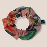 Load image into Gallery viewer, W SCRUNCHIE