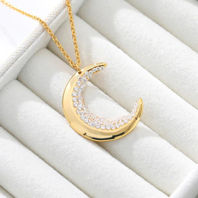 Crystal Moon Necklace - REGISAPEX