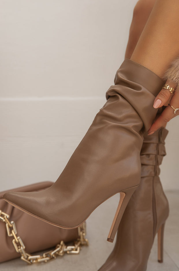 So Flirty - Taupe