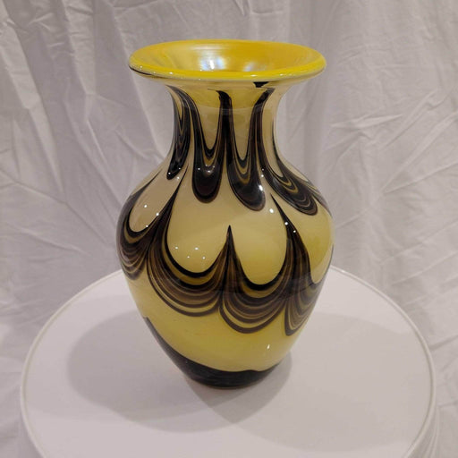 Shop Lendy - Gorgeous Yellow and Black Vase - Shop Lendy