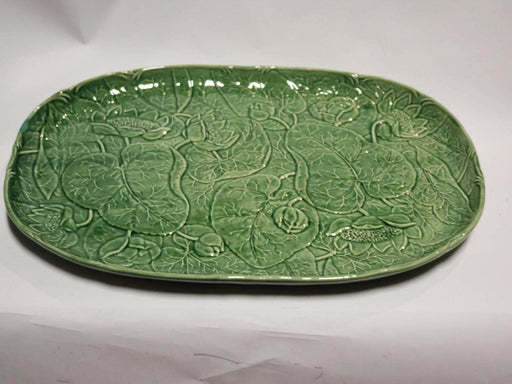 Shop Lendy - Green Platter - leaf design - Shop Lendy