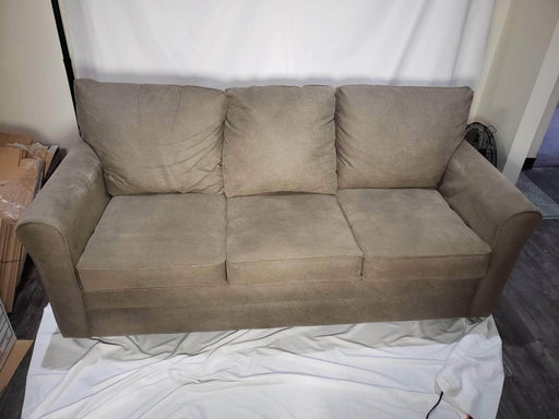 La-Z-Boy - Leah Queen Sleeper Sofa - Shop Lendy