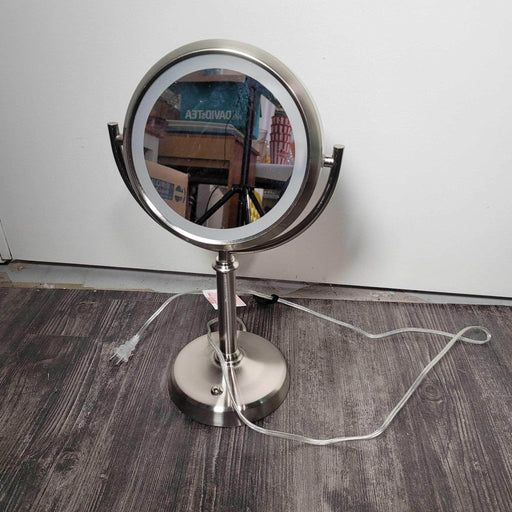 Shop Lendy - Makeup Mirror with Plug in Light - Shop Lendy