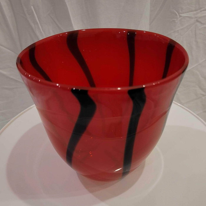 Shop Lendy - Bold Red and Black Vase - Shop Lendy