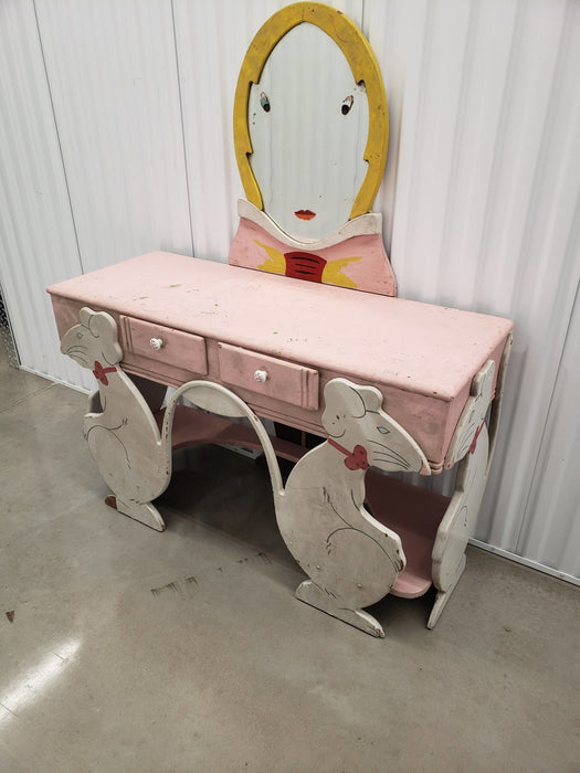 Shop Lendy - Vintage Children's Furniture Collection (8 pieces) - Shop Lendy