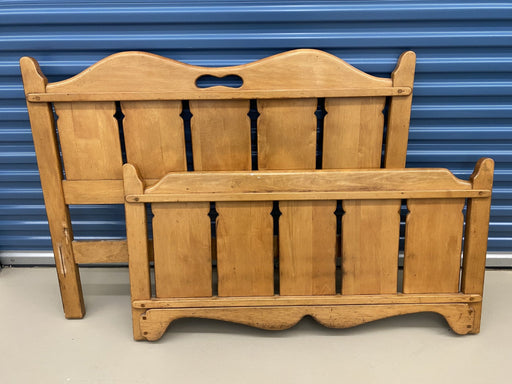 Shop Lendy - Vintage pine bedframe - Shop Lendy