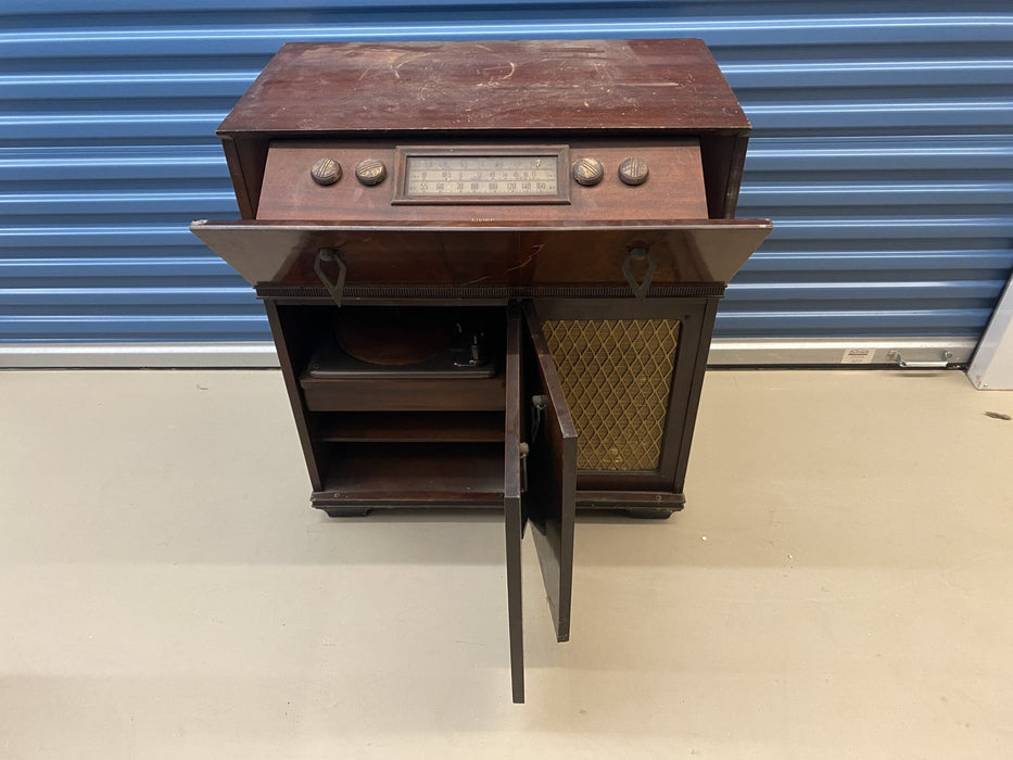 Shop Lendy - Vintage Record Player Cabinet - Shop Lendy
