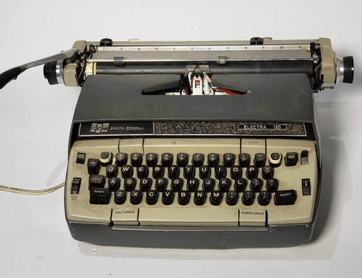 Smith Corona - Vintage Typewriter - Electra 120 - Shop Lendy