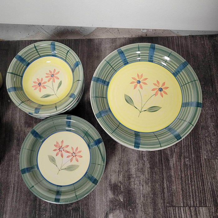 Shop Lendy - Yellow Floral Ceramic Dish Set by Home Discovery - Shop Lendy