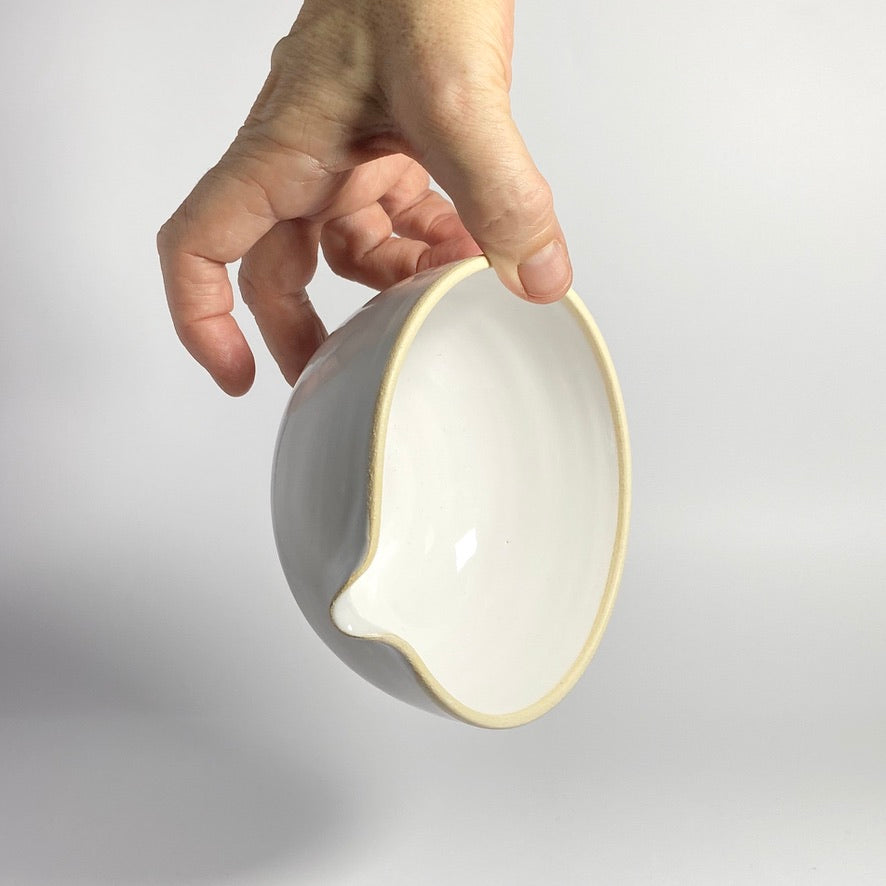 Medium Pouring Bowl