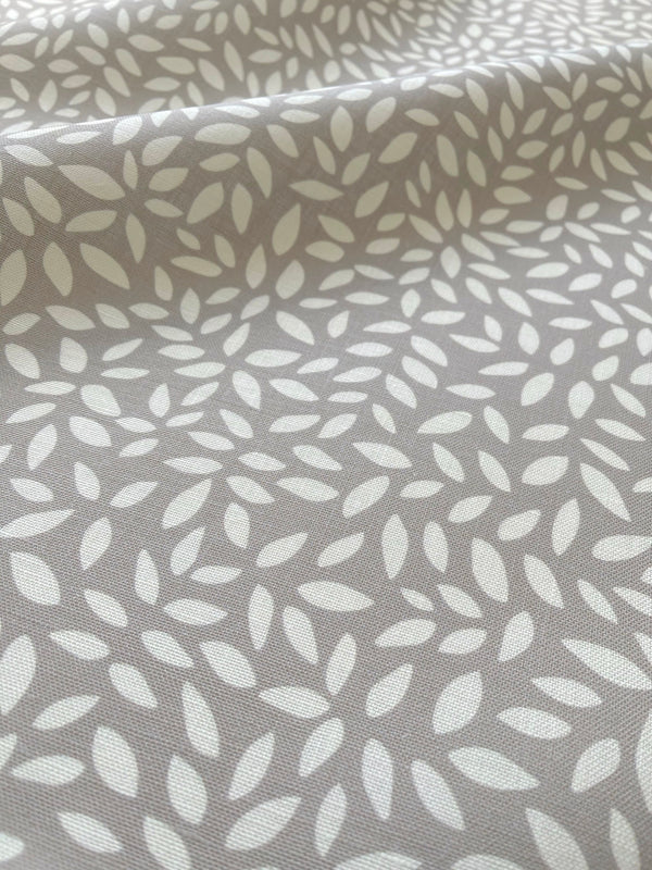 Wadmalaw Fabric in Fawn