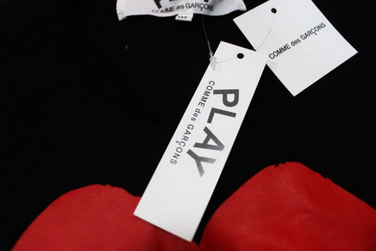 PLAY Red Heart Tee Black