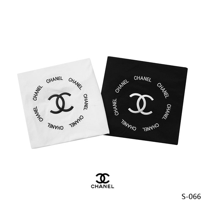 CHANEL plain with logo T-shirt