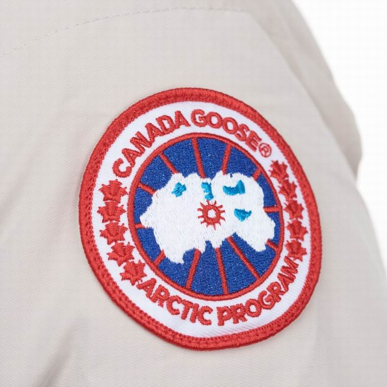 CANADA GOOSE WOMAN BUTTONED FUR HOODED COAT WHITE SMOKE