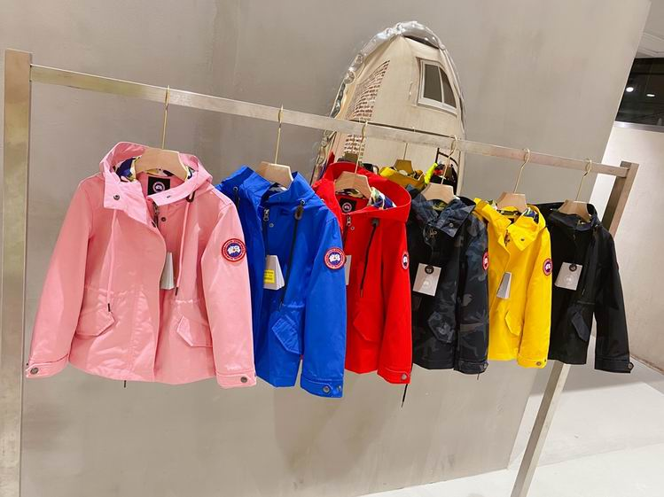 Canada Goose BUTTONED KID HOODED JACKETS