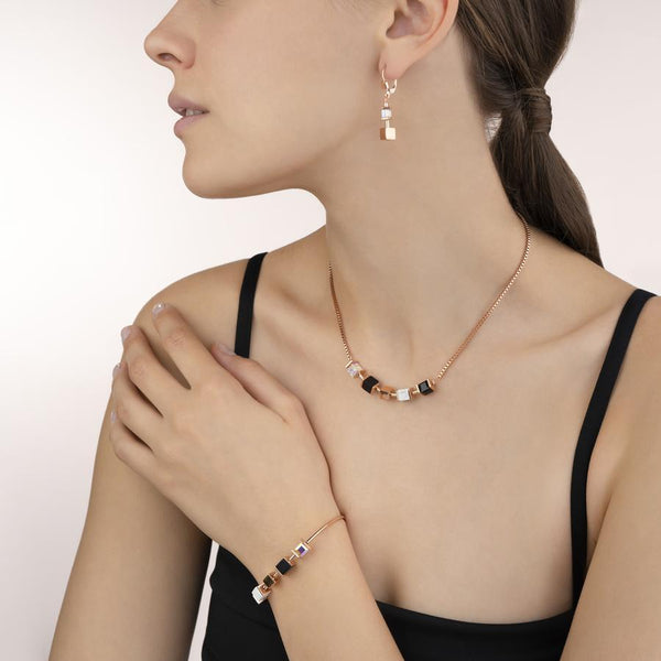 COEUR DE LION - Geo Cube Natural Onyx Howlitte Earrings